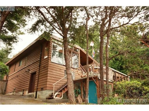 21 Malaspina Dr, Zone 10 - Islands, BC - CAN (photo 2)