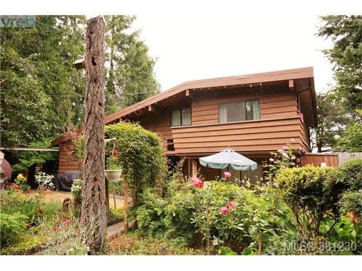 21 Malaspina Dr, Zone 10 - Islands, BC - CAN (photo 3)