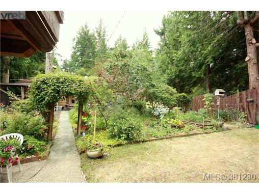 21 Malaspina Dr, Zone 10 - Islands, BC - CAN (photo 5)