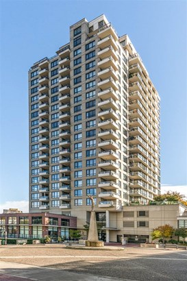 1306 1 Renaissance Square, New Westminster, BC - CAN (photo 2)