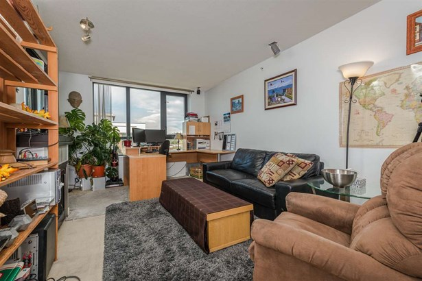 1306 1 Renaissance Square, New Westminster, BC - CAN (photo 5)