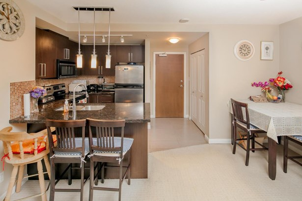 2209 888 Carnarvon Street, New Westminster, BC - CAN (photo 4)