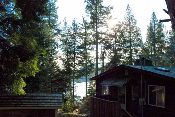150 Bannister Road, Bowen Island, BC - CAN (photo 3)