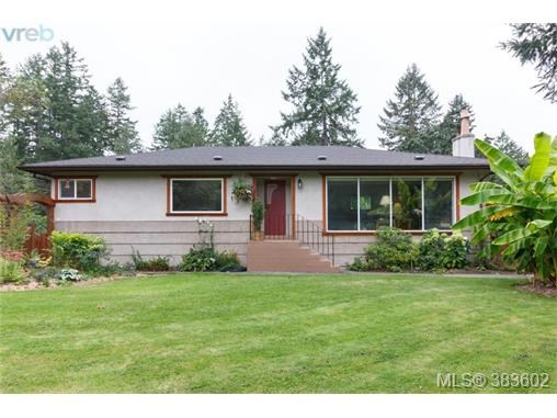 6664 Wallace Dr, Central Saanich, BC - CAN (photo 1)
