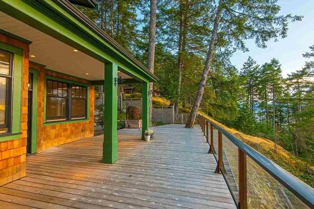 1776 Emily Lane, Bowen Island, BC - CAN (photo 4)