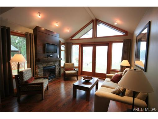 109c 494 Arbutus Dr, Mayne Island, BC - CAN (photo 2)