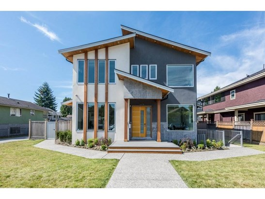 910 Tenth Street, New Westminster, BC - CAN (photo 1)