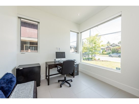 910 Tenth Street, New Westminster, BC - CAN (photo 4)