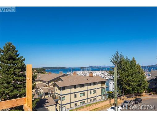 402 2475 Mt. Baker Ave, Sidney, BC - CAN (photo 2)