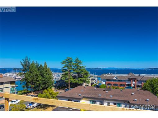 402 2475 Mt. Baker Ave, Sidney, BC - CAN (photo 3)