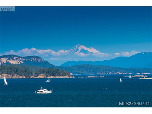 402 2475 Mt. Baker Ave, Sidney, BC - CAN (photo 5)