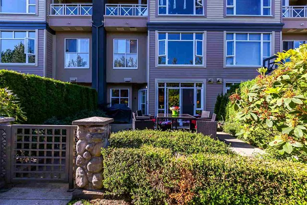 204 3600 Windcrest Drive, North Vancouver, BC - CAN (photo 1)