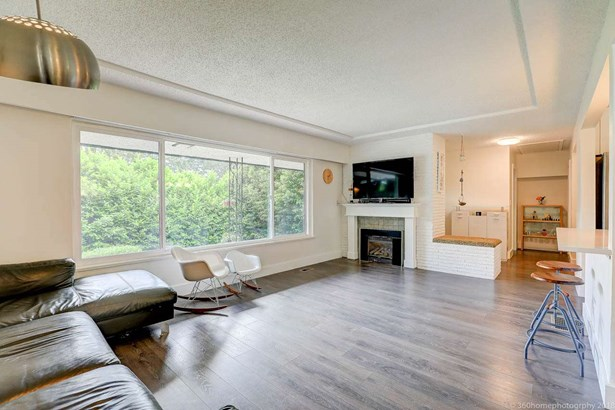 1681 Brunette Avenue, Coquitlam, BC - CAN (photo 5)
