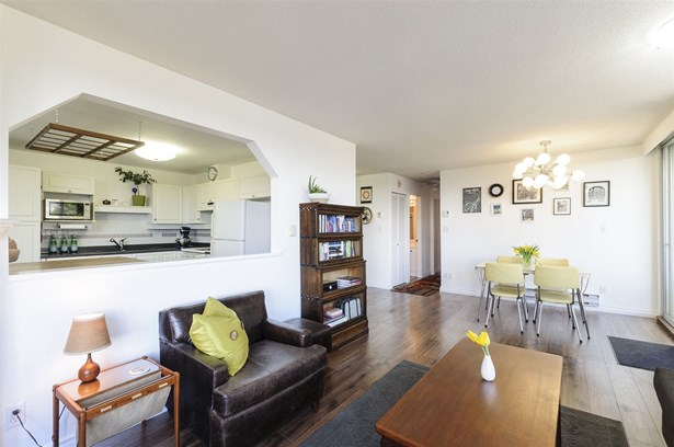 204 412 Twelfth Street, New Westminster, BC - CAN (photo 5)