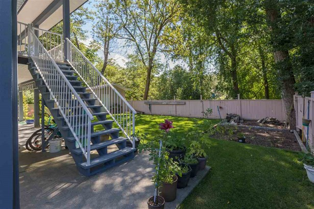 38731 Buckley Avenue, Squamish, BC - CAN (photo 5)