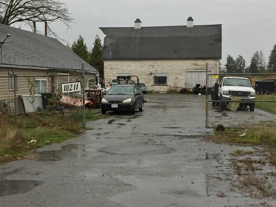 18211 Lougheed Highway, Pitt Meadows, BC - CAN (photo 2)
