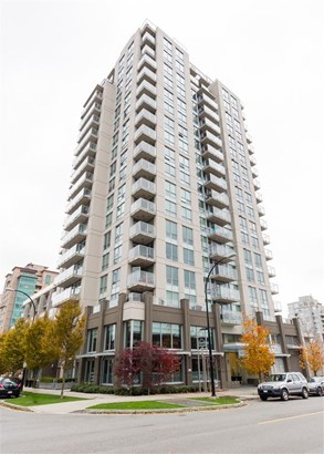1506 135 E 17th Street, North Vancouver, BC - CAN (photo 2)