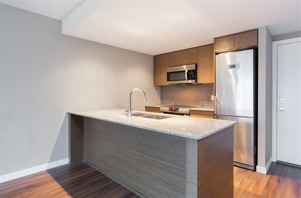 1506 135 E 17th Street, North Vancouver, BC - CAN (photo 4)