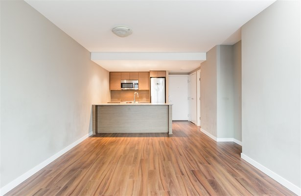 1506 135 E 17th Street, North Vancouver, BC - CAN (photo 5)