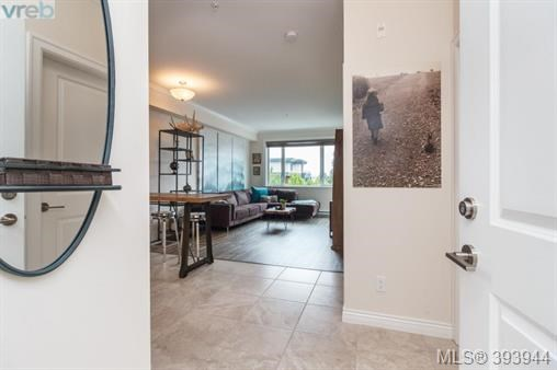 2409 Bevan Ave # 303, Sidney, BC - CAN (photo 3)