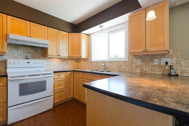 12535 Blackstock Street, Maple Ridge, BC - CAN (photo 2)