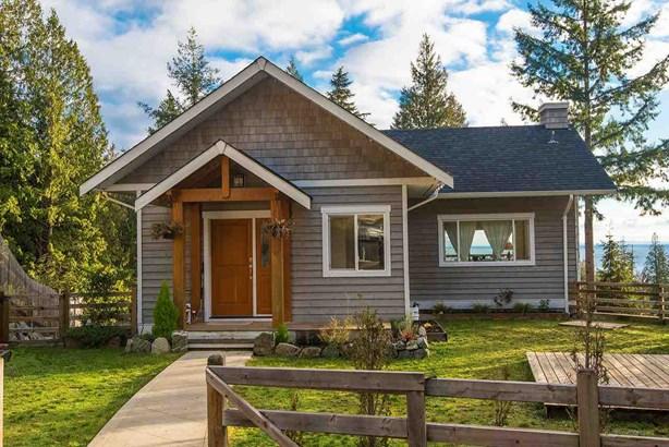 923 Fairway Lane, Bowen Island, BC - CAN (photo 2)