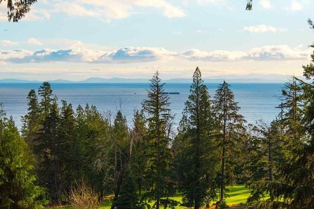 923 Fairway Lane, Bowen Island, BC - CAN (photo 3)