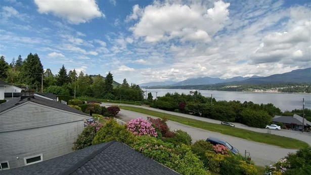 428 Northcliffe Crescent, Burnaby, BC - CAN (photo 5)