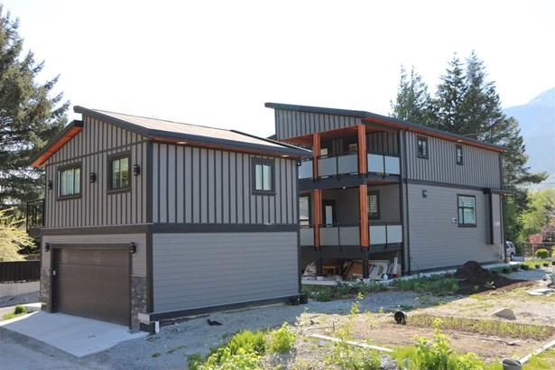 38818 Britannia Avenue, Squamish, BC - CAN (photo 3)