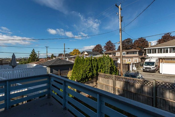 3951 Parker Street, Burnaby, BC - CAN (photo 2)