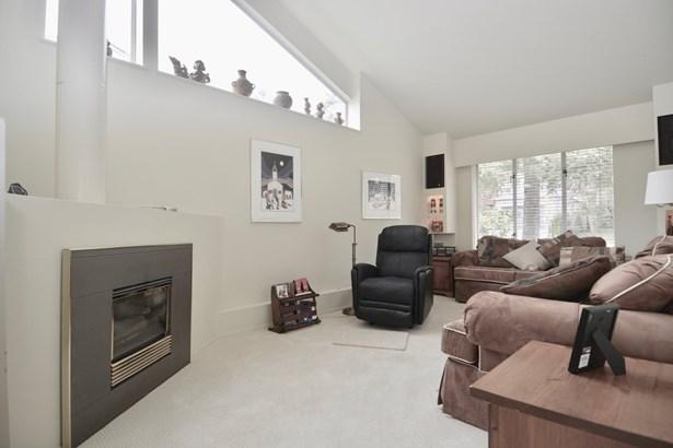 3687 Loraine Avenue, North Vancouver, BC - CAN (photo 4)