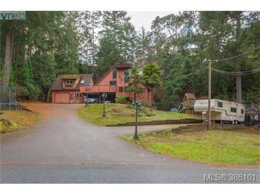 7066 Willis Point Rd, Central Saanich, BC - CAN (photo 1)