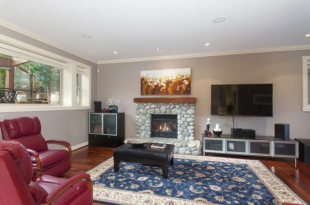 435 N Oxley Street, West Vancouver, BC - CAN (photo 4)