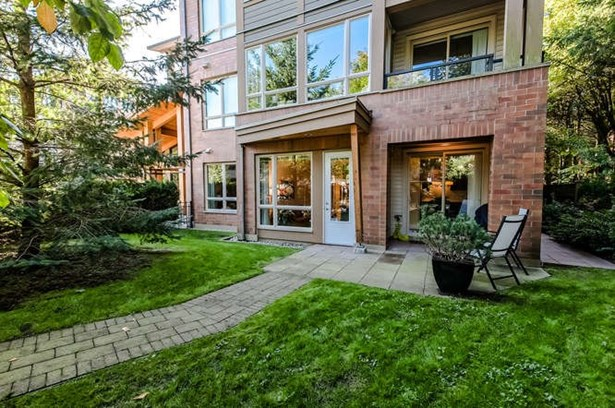 121 1111 E 27th Street, North Vancouver, BC - CAN (photo 2)