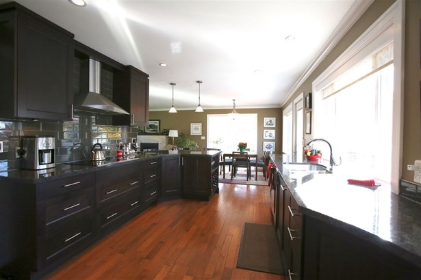 5511 Bakerview Drive, Surrey, BC - CAN (photo 4)
