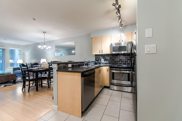 107 20750 Duncan Way, Langley, BC - CAN (photo 4)
