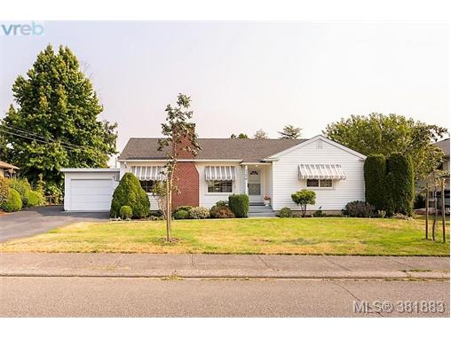 1204 Rockcrest Ave, Esquimalt, BC - CAN (photo 1)
