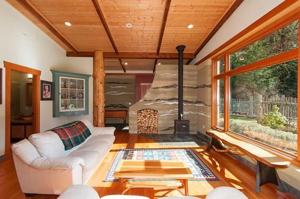 1621 Amelia Lane, Bowen Island, BC - CAN (photo 3)