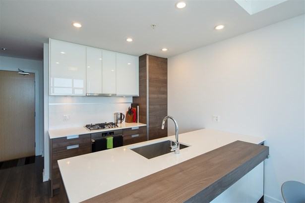 3702 4688 Kingsway, Burnaby, BC - CAN (photo 4)