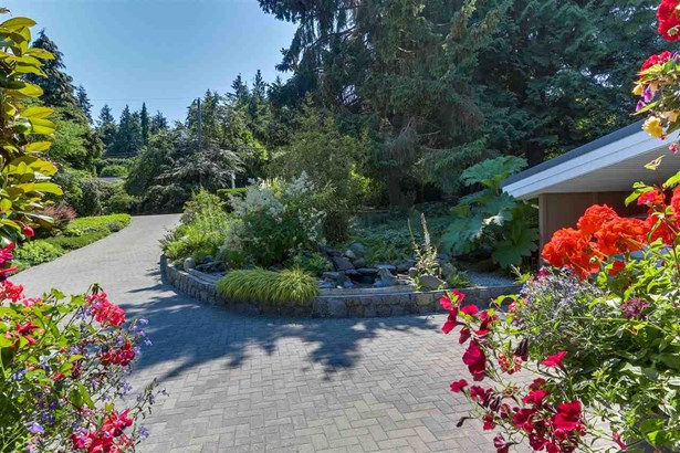 815 Burley Drive, West Vancouver, BC - CAN (photo 2)