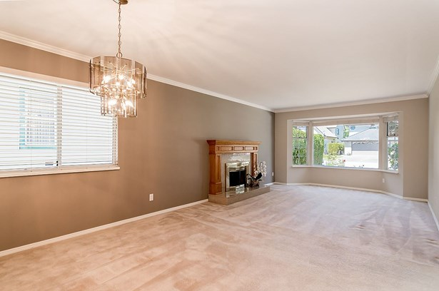 6186 45 Avenue, Ladner, BC - CAN (photo 4)