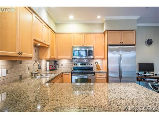 207 755 Goldstream Ave, Langford, BC - CAN (photo 1)