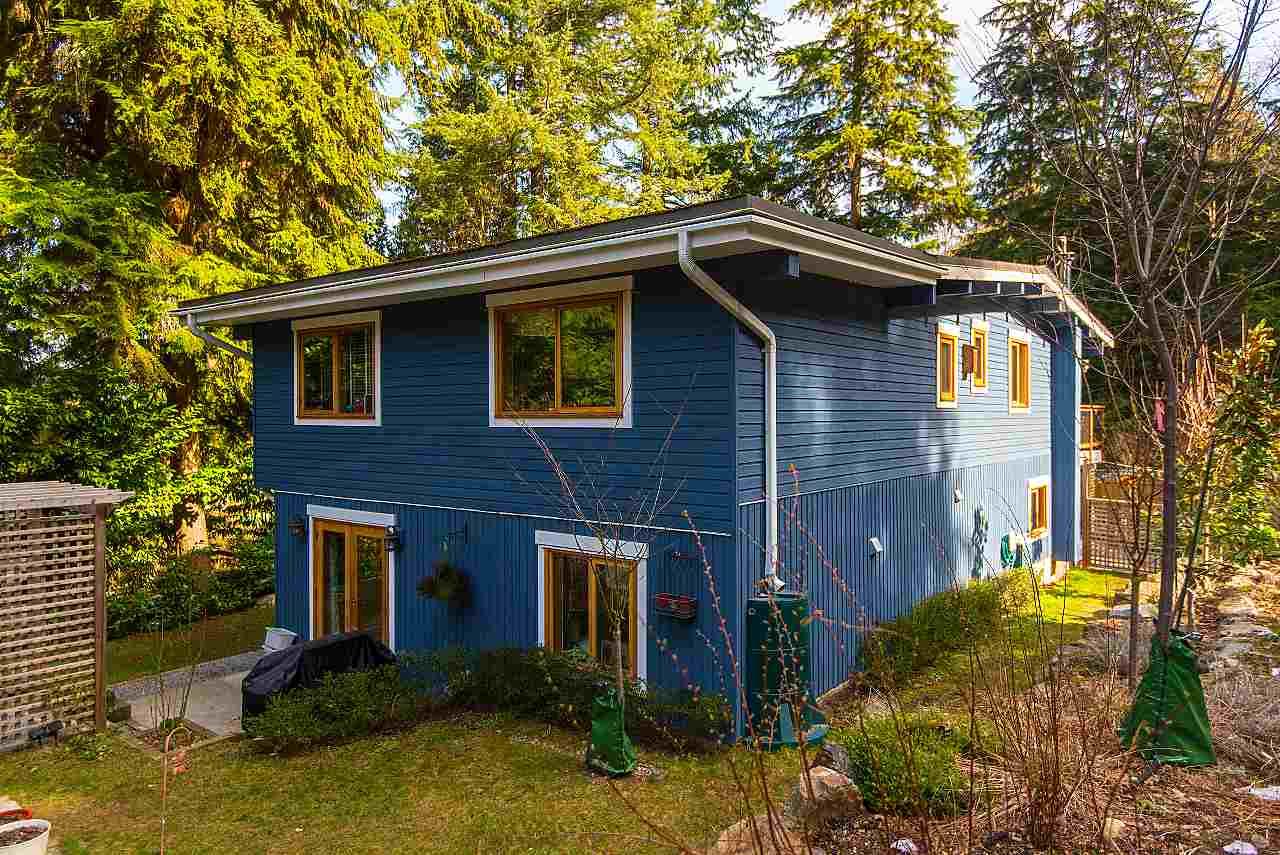 590 Cowan Road, Bowen Island, BC - CAN (photo 1)