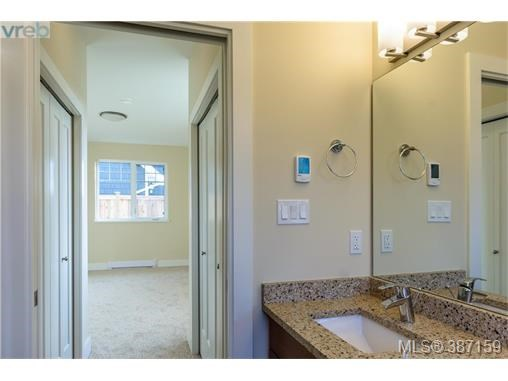 2307 Oakville Ave, Sidney, BC - CAN (photo 4)