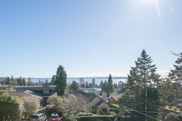 2125 Lawson Avenue, West Vancouver, BC - CAN (photo 3)