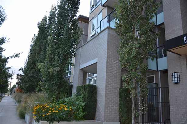 410 55 Eighth Avenue, New Westminster, BC - CAN (photo 3)