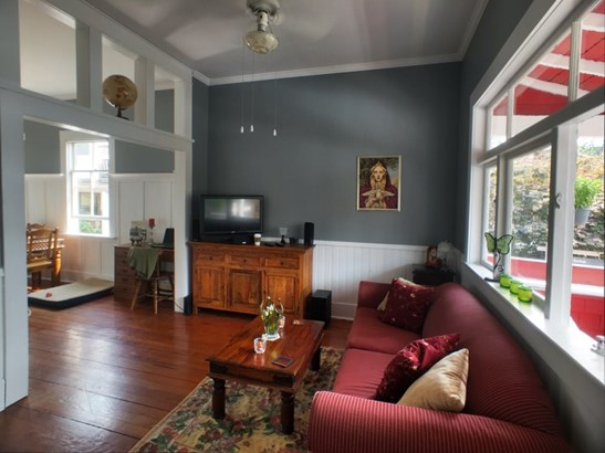 113 Ash Street, New Westminster, BC - CAN (photo 2)