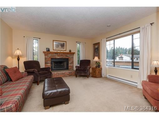 C 378 Cotlow Rd, Colwood, BC - CAN (photo 2)