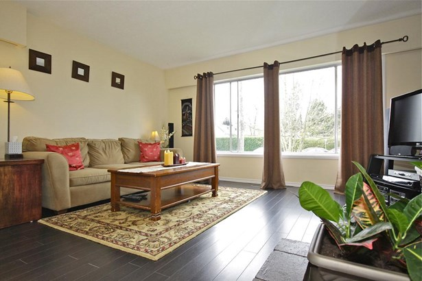 1390 Finlay Street, White Rock, BC - CAN (photo 3)