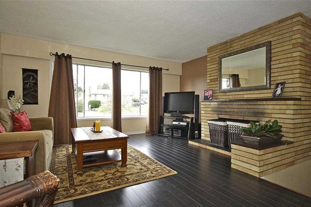 1390 Finlay Street, White Rock, BC - CAN (photo 4)